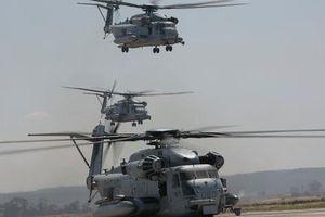Trực thăng quân sự Mỹ phô diễn sức mạnh trong tập trận 'Voi đi bộ'