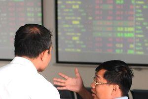 Khối ngoại bán ròng 21,5 tỷ đồng, VN-Index giảm gần 8 điểm
