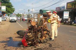 Xe máy cày tông trực diện xe máy, 10 người bị thương tại Đắk Lắk
