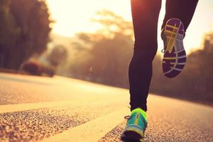Chuyên gia hướng dẫn cách chạy thể dục trong ngày hè nóng bức