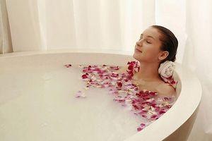 Những điều không nên làm khi tắm ngày nắng nóng để tránh đột tử
