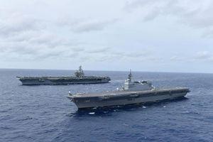 Chiến hạm 'khủng nhất' của Nhật Bản phô cơ bắp cùng tàu sân bay Mỹ ở Biển Đông