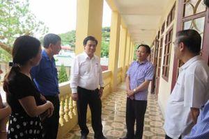 Thứ trưởng Bộ GD-ĐT trực tiếp kiểm tra công tác chuẩn bị thi THPT Quốc gia của Sơn La