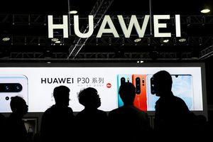 'Huawei đòi nhà mạng Mỹ trả hơn 1 tỷ USD phí bản quyền'
