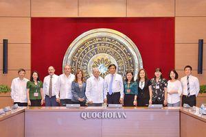 Tổng Thư ký Quốc hội, Chủ nhiệm Văn phòng Quốc hội Nguyễn Hạnh phúc làm việc với Thư ký Hội đồng Nhà nước Cuba