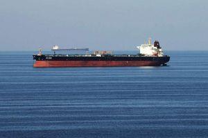 Hải quân Hoa Kỳ hỗ trợ 2 tàu chở dầu gặp nạn ở Vịnh Ô-Man