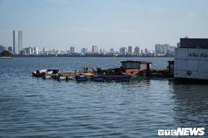 Chuyên gia hiến kế di dời du thuyền 'ma' nằm phơi trên Hồ Tây