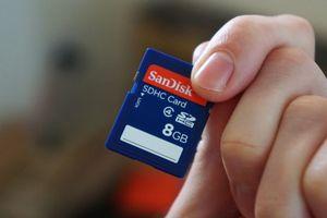 Làm mất thẻ nhớ chứa toàn ảnh cưới, nhiếp ảnh gia cầu cứu dân mạng