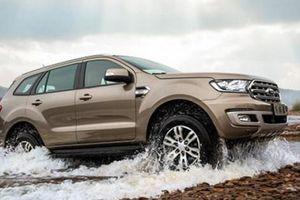 Giảm giá sâu, Ford Everest lập tức bán hàng kỷ lục