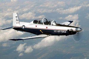 Phi công quân sự Nga – Mỹ huấn luyện bay trên không ra sao?