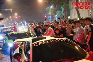 Dàn siêu xe ' náo loạn' đường phố Hà Nội