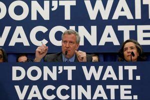 Mỹ: New York 'quyết chiến' với phong trào tẩy chay vaccine