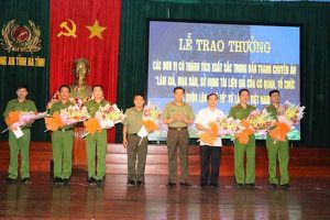 Công an Hà Tĩnh đánh sập đường dây buôn lậu xe ô tô từ Lào về Việt Nam