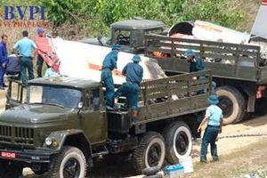 Cận cảnh hiện trường vụ máy bay quân sự rơi tại Khánh Hòa