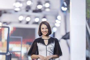Hồng Quế mặc áo dài cách tân của NTK Hà Duy, catwalk nổi bật giữa dàn model Trung Quốc