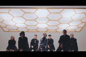 Giữa tình thế 'nước sôi lửa bỏng' nhà YG, Lay (EXO) bất ngờ tung MV 'Honey': Liệu ai sẽ còn quan tâm về màn comeback này?