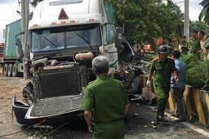 Tạm giữ tài xế container tông ô tô con khiến 5 người tử vong