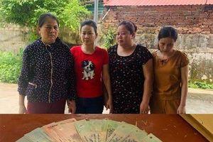 Thanh Hóa: Đang say sưa đánh bạc, bốn nữ quái bị bắt quả tang