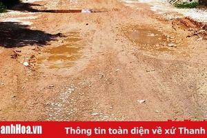Đoạn đường thuộc địa phận xã Đông Lĩnh xuống cấp nghiêm trọng