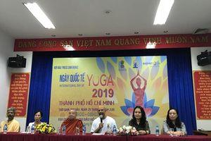 Ngày Quốc tế Yoga lần thứ 5 được tổ chức sáng 29/6 tại SVĐ Hồ Xuân Hương