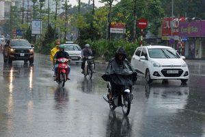 Miền Bắc kết thúc đợt nắng nóng, chiều tối mưa dông nhiều nơi