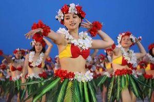 Hàng trăm người đẹp mặc bikini nhảy flashmob trên bãi biển Đà Nẵng