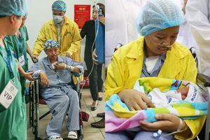 Cuộc trùng phùng đầy nước mắt của người mẹ ung thư và con trai Bình An