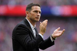 Cựu công thần Lampard sẽ ngồi ghế Sarri để lại
