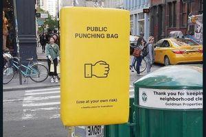 Đệm 'đấm bốc' giúp người dân thành phố bớt... stress