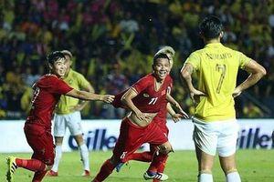 Tuyển Việt Nam lên vị trí 96 thế giới, Thái Lan sa thải huấn luyện viên