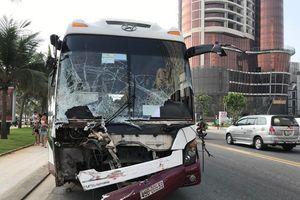 Xe chở công nhân ở Đồng Nai gây tai nạn liên hoàn