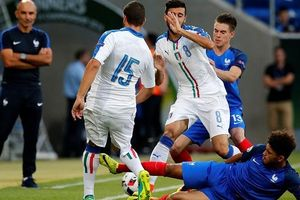 Giải vô địch bóng đá U-20 thế giới: Khi những chàng trai áo thiên thanh... bất lực