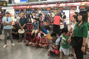 Liên tục hủy rồi hoãn chuyến đúng cao điểm mùa du lịch, Vietjet Air nói gì?