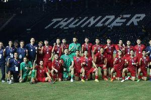 ĐT Việt Nam vươn lên đứng hạng 96 thế giới
