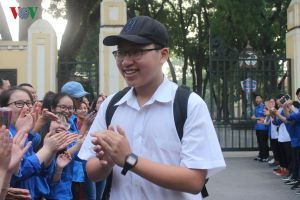 Điểm chuẩn vào chuyên lớp 10 tại Hà Nội: Cao nhất chuyên Anh 42,05 điểm