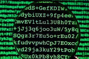 Tình báo Anh bị tố lưu trữ dữ liệu bất hợp pháp