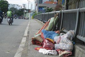 Vứt chăn, nệm cũ ra đường: Phạt đến 7 triệu!