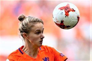 Nữ cầu thủ Arsenal thiết lập kỷ lục sau trận thắng Cameroon