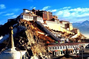 Ngắm thiên nhiên huyền ảo xứ Tây Tạng từ flycam