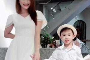 Bảo Thanh khoe da trắng, dáng xinh với váy midi