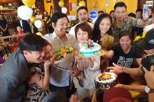 Ông bố Trung Anh bất ngờ được đàn con 'Về nhà đi con' chúc mừng sinh nhật