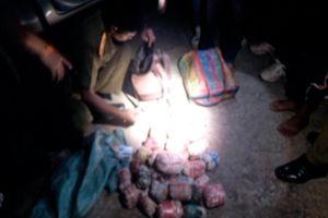 Bắt 3 đối tượng người Lào mua bán, vận chuyển 20 kg thuốc phiện