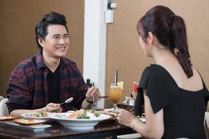 Vũ Mạnh Cường tiết lộ thời hàn vi từng ăn đồ thừa của khách