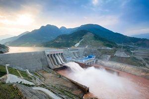 Sông Đà: Dòng sông ánh sáng