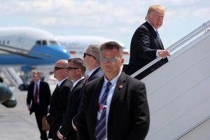 Ngắm mật vụ của ông Trump cực 'ngầu' và chuyên nghiệp