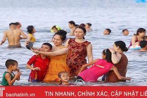 Giải nhiệt ngày cuối tuần ở bãi biển Hà Tĩnh