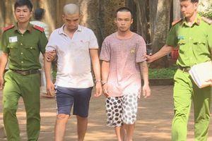Bắt 2 thanh niên chuyên ép xe phụ nữ đi đường cướp dây chuyền, túi xách