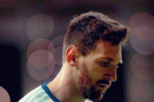 Argentina thảm bại, nhưng sao Messi lại đáng thương đến thế…