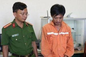 Hà Tĩnh: Bắt con nghiện đang vận chuyển 10.000 viên hồng phiến và 1kg ma túy đá