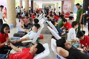 1.500 người Đà Nẵng tham gia ngày hội hiến máu 'Trái tim sông Hàn'